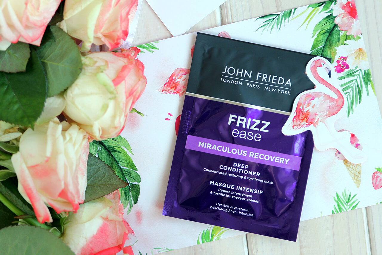 Интенсивная маска для волос Frizz Ease Miraculous Recovery Deep Conditioner от John Frieda