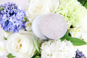 Пудра под глаза Becca Under Eye Brightening Setting Powder отзыв