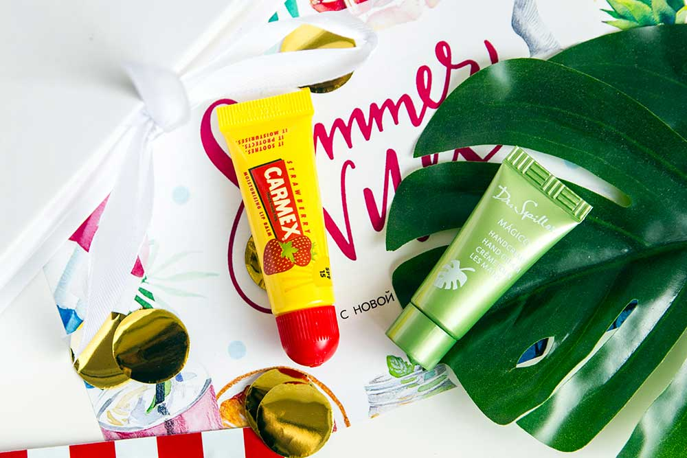 Бальзам для губ Carmex Lip Balm Tube Strawberry