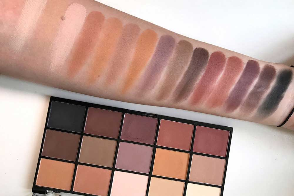 Палетка Revolution Re-Loaded Palette Basic Mattes
