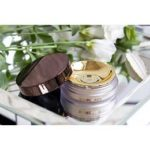 Пудра Hourglass Veil Translucent Setting Powder — отзыв и свотчи