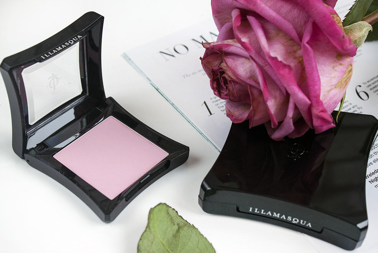 Illamasqua Powder Blusher в оттенке Katie