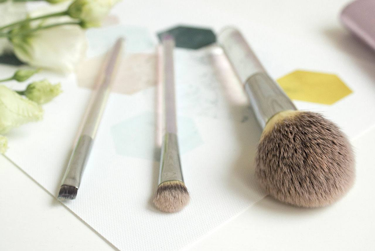 отзыв о наборе IT Cosmetics Heavenly Luxe Beautiful Basic Brush Collection