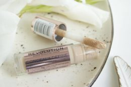 Консилер Makeup Revolution Conceal And Define Concealer — отзыв