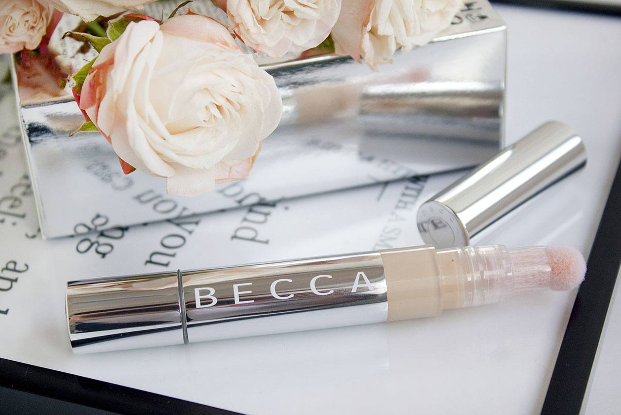 Becca Light Shifter Brightening Concealer