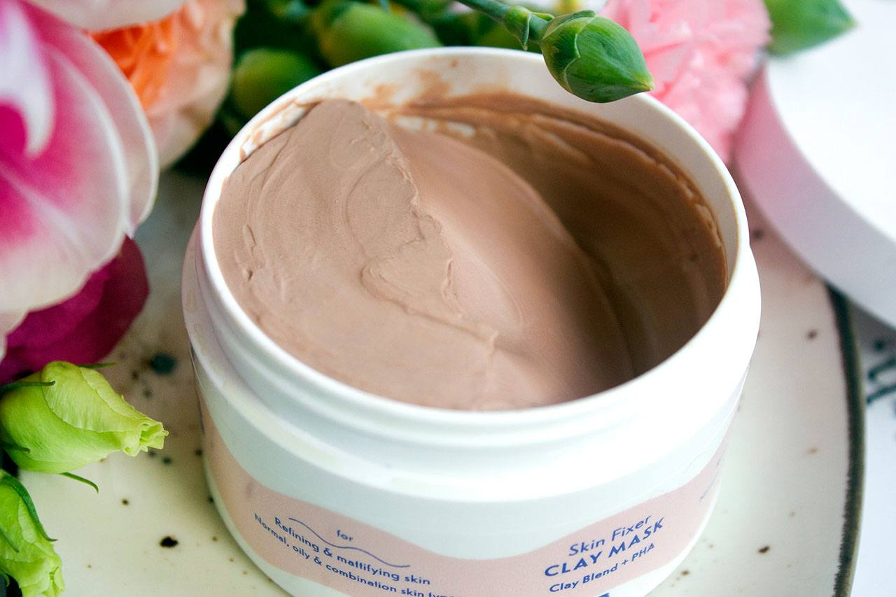 текстура By Beauty Bay Skin Fixer Clay Mask